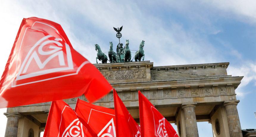Verteil-Aktion an den Standorten: #FairWandel - Wir fahren nach Berlin...